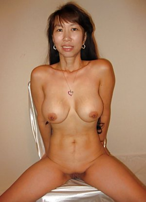 Asian Stepmom Butts Pics